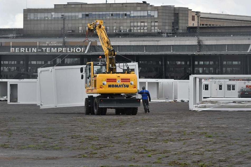 Im Hangar des Flughafens Tempelhof leben aktuell noch 300 Flüchtlinge, die aber auch bald ausziehen sollen.