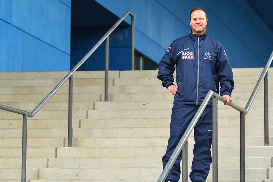 Für Eislöwen-Coach Bradley Gratton ist das Derby gegen Weißwasser eine Premiere.