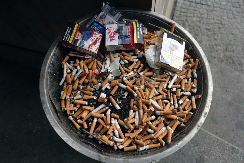 Die Deutschen kaufen weniger Zigaretten, aber dafür mehr Tabak