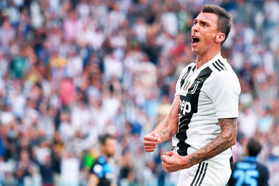 Dortmunds Verantwortliche sollen an Mario Mandzukic von Juventus Turin interessiert sein.