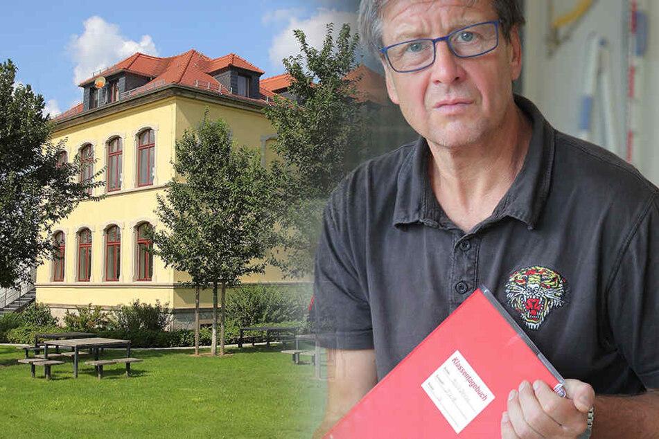 Vize-Schulleiter Manfred Pietzner (55) verwaltet den Notstand, unterrichtet, plant, betreut. Feierabend macht er oft gegen 20 Uhr.
