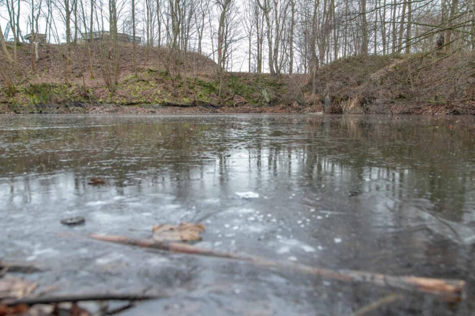 Die Feuerwehr warnt aktuell vor zugefrorenen Gewässern.