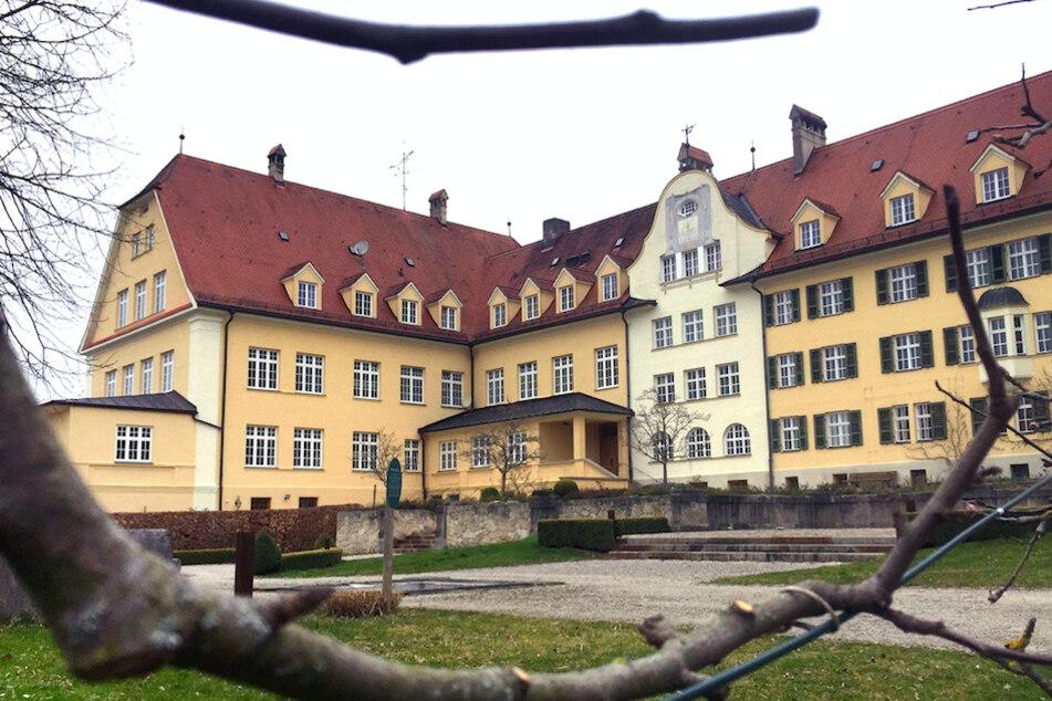 Das ehemalige katholische Piusheim in Baiern.