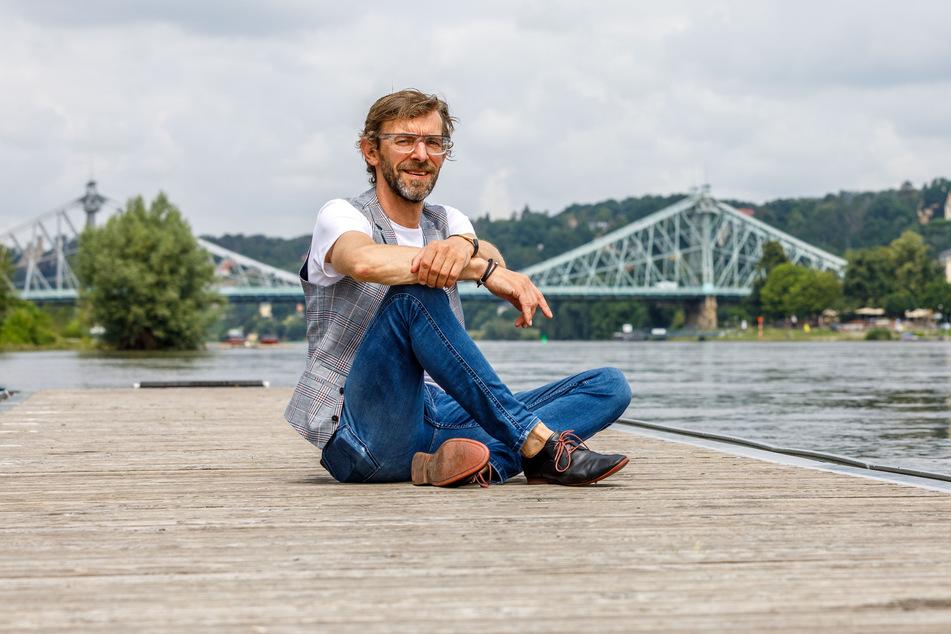 Unterwegs in heikler Mission: Stadtbezirksamtsleiter Christian Barth (49) muss die Feste von Loschwitz und Blasewitz koordinieren.
