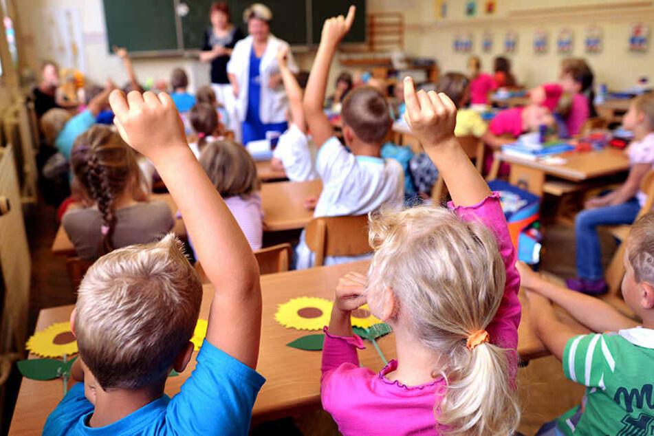 In mehreren Schulen in Leipzig-Grünau soll kräftig saniert werden. (Symbolbild)