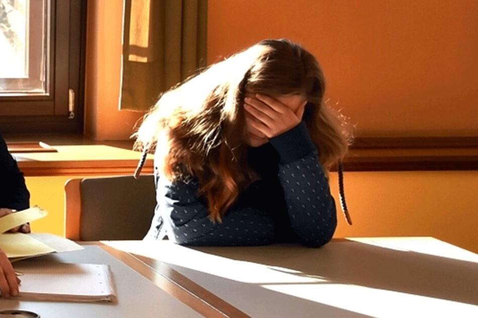 Tatjana T. (17) kassierte Montag vier Wochen Arrest.
