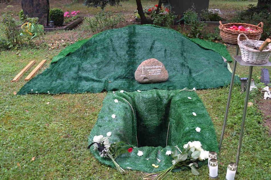 Im April 2017 war die Leiche im Garten gefunden worden, doch von der Mutter fehlt noch immer jede Spur.