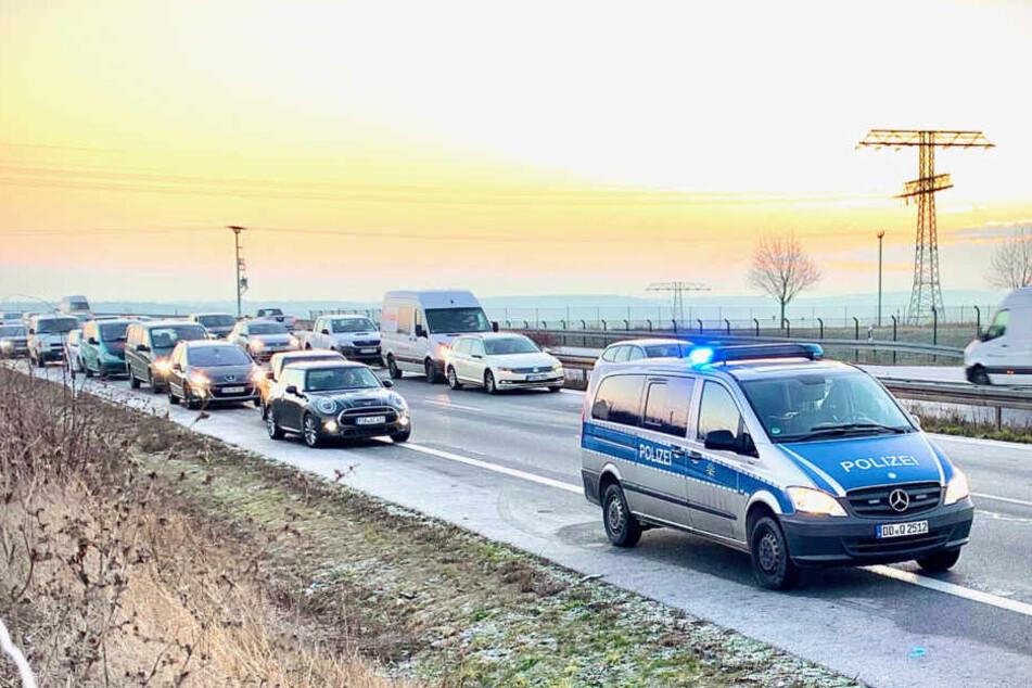 Durch die Vollsperrung staute es sich 1,5 Stunden lang in Richtung Pirna.