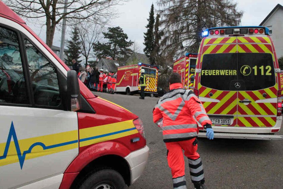 Ein Rettungssanitäter eilte zum Tatort, um den Verletzten zu helfen.