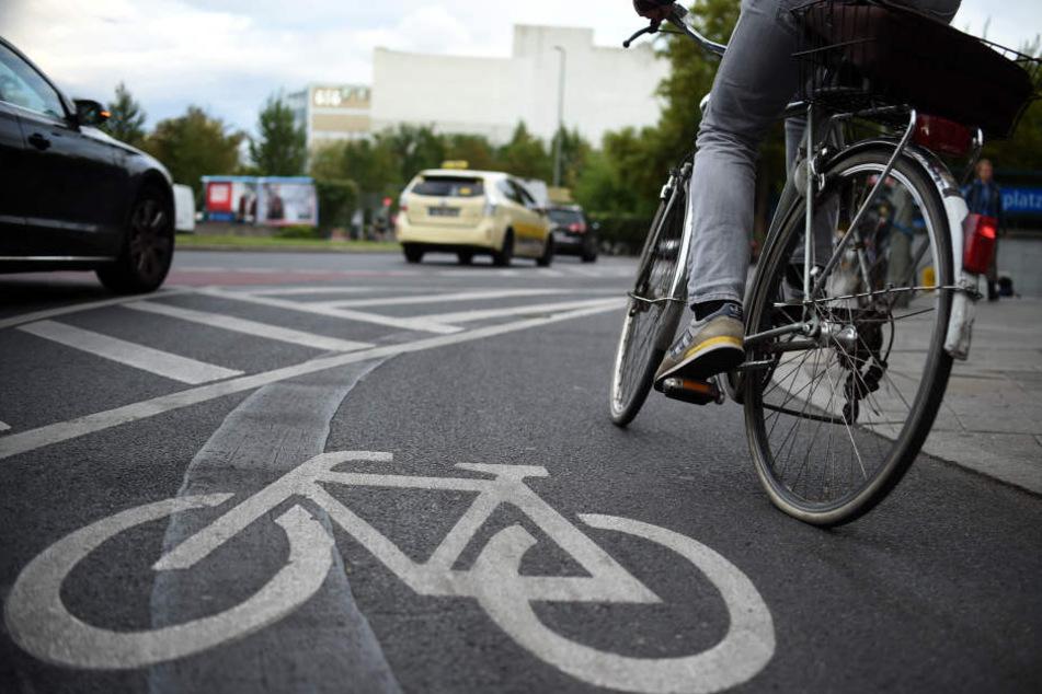 Der Radfahrer missachtete eine rote Ampel.