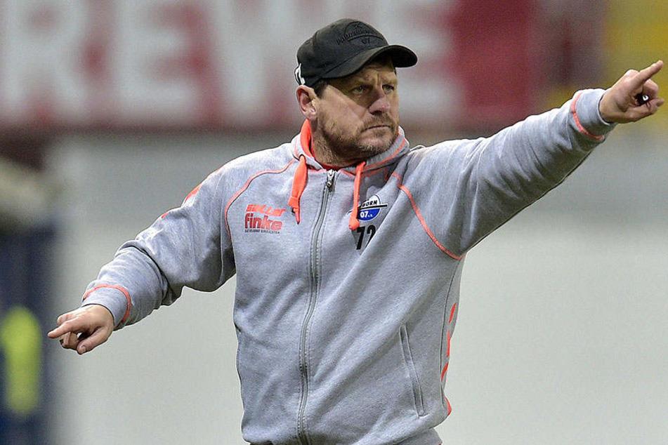 Coach Steffen Baumgart (45) will mit dem SCP in die nächste Runde des DFB-Pokals einziehen.