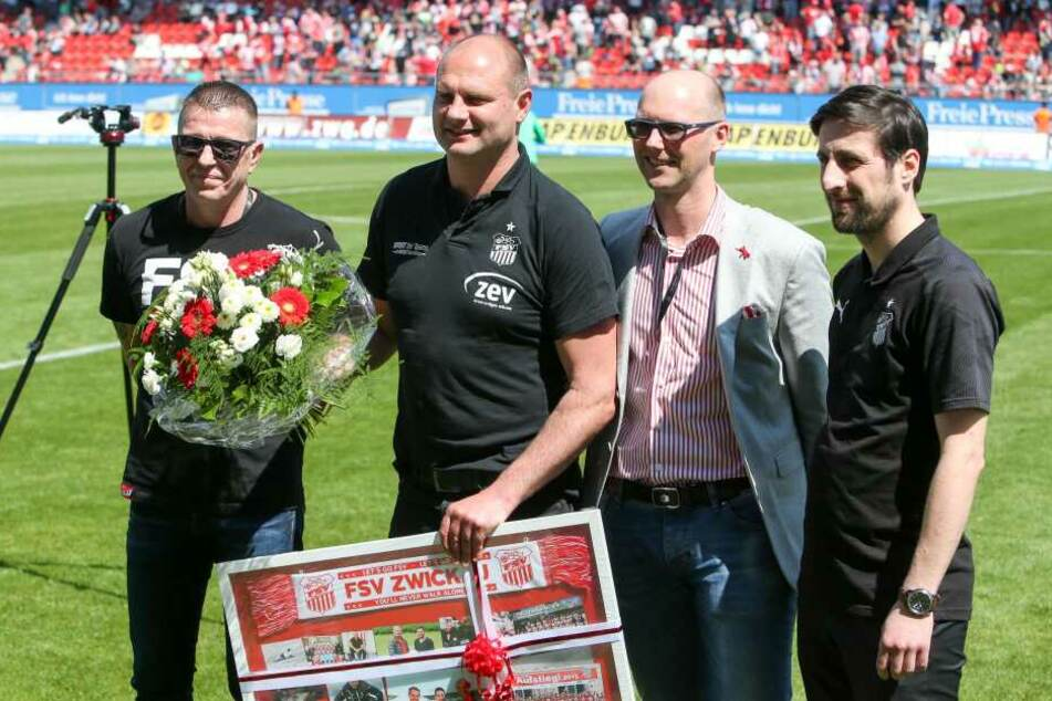 Sportdirektor David Wagner (Zwickau) wird verabschiedet.