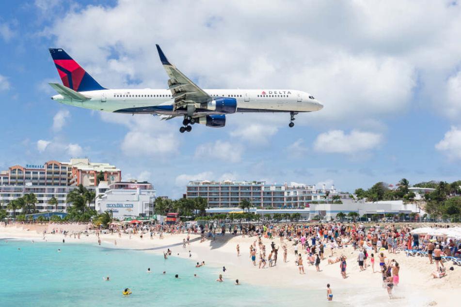 Mit dem Flugzeug in die Karibik reisen? Das soll nach Willen des Hamburger Umweltsenators teurer werden.