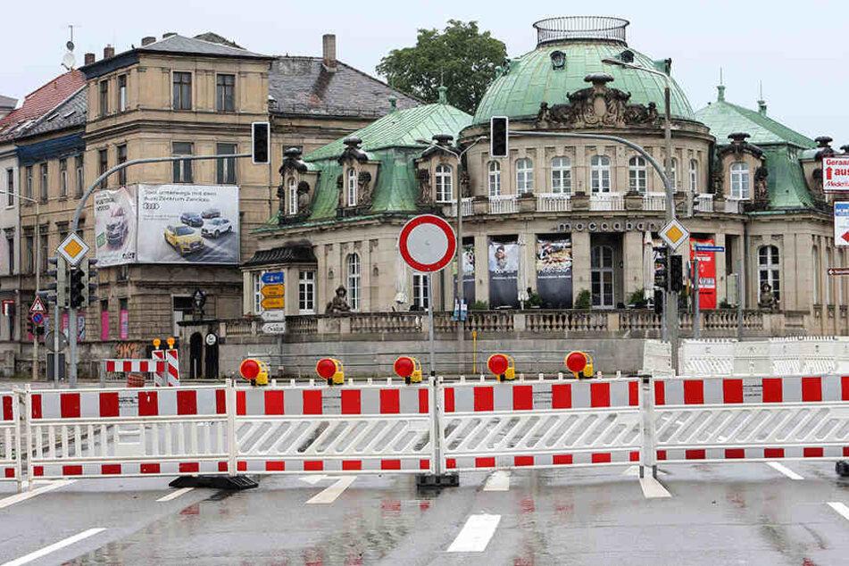 Seit Anfang Juli geht hier nichts mehr: Noch bis zum 7. September sollen die Reparaturen an der Moccarbar-Kreuzung dauern.
