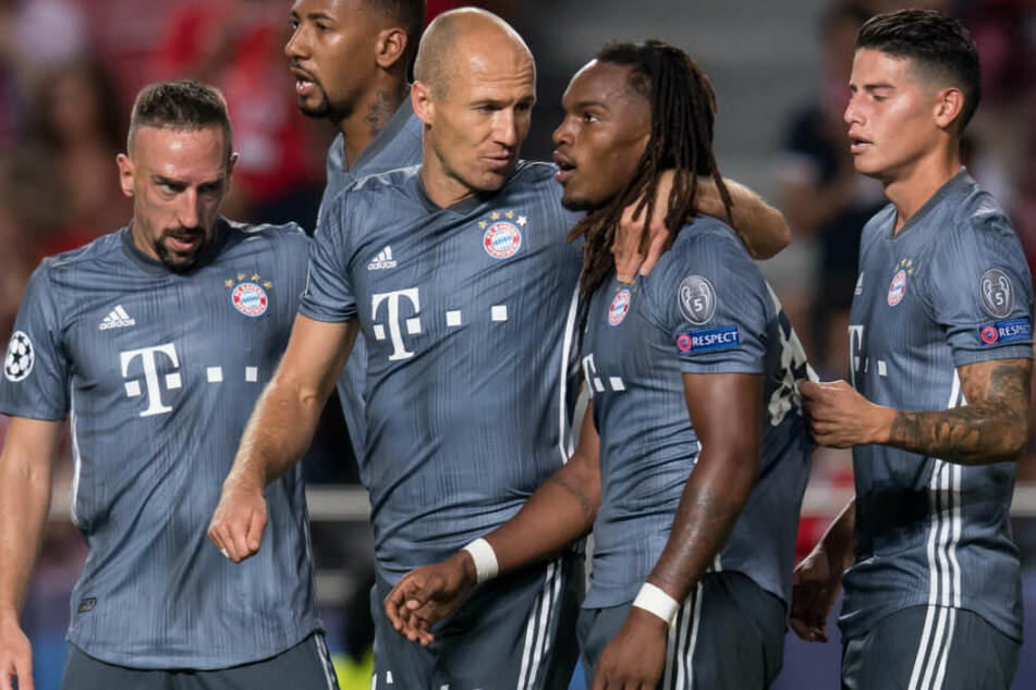 Renato Sanches (2.v.r.) könnte den FC Bayern München diesen Sommer verlassen.