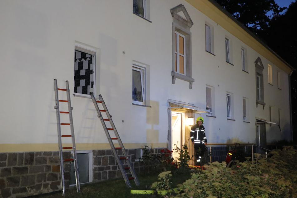 In einer Erdgeschosswohnung brannte im Kinderzimmer der Kleiderschrank.