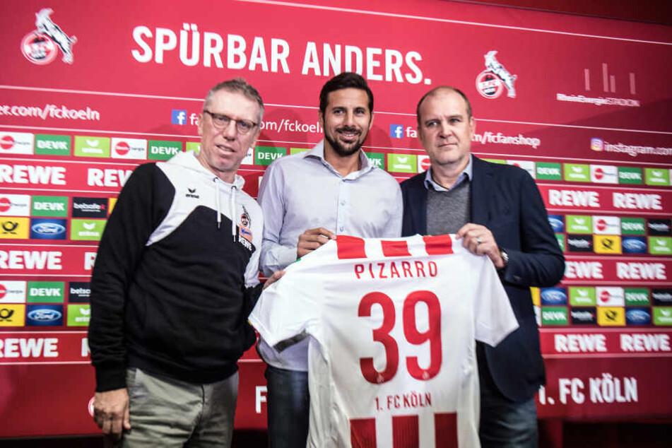 Rekordspieler fürs Schlusslicht: Claudio Pizarro (38) unterschrieb in Köln bis zum Saisonende. Er hat schon 430 Bundesligaspiele auf dem Konto.