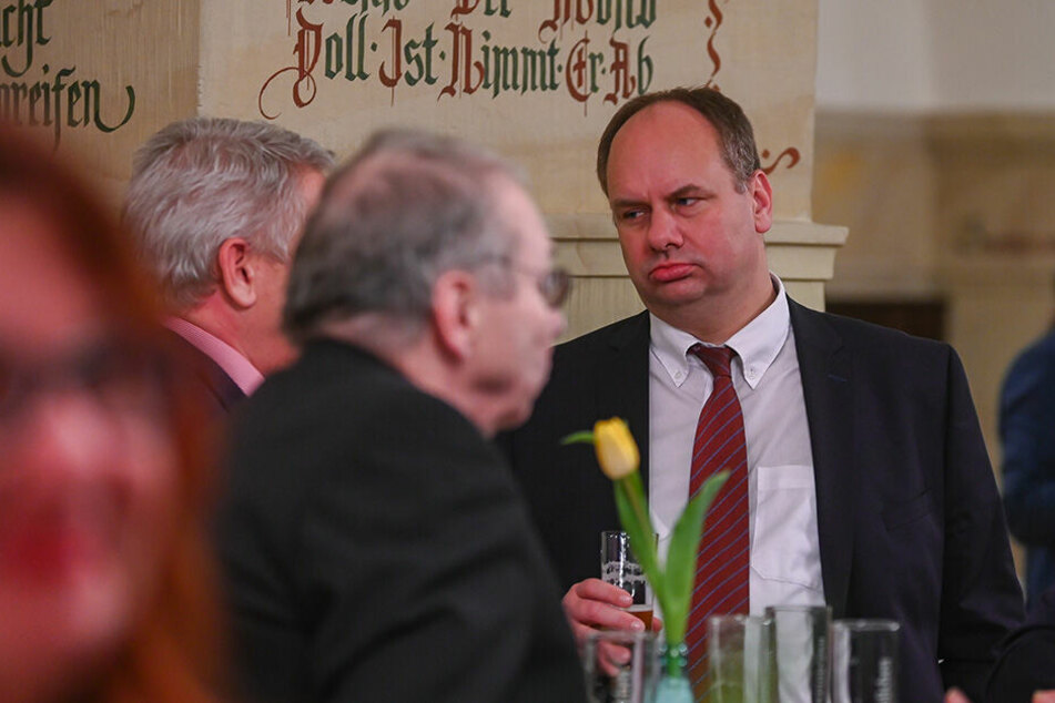 """Dresden: Neuer Ratskeller-Betreiber in Sicht? OB Hilbert hat """"Assietten-Essen"""" satt"""
