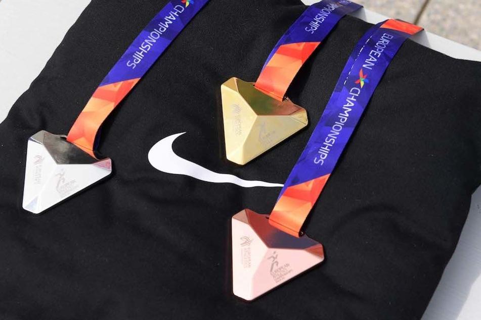 Die Objekte der Begierde: Gold-, Silber- und Bronze-Medaille der Leichtathletik-EM 2018 in Berlin.