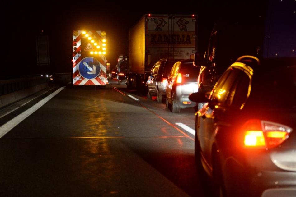 Die A9 musste für etwa eine Stunde gesperrt werden. (Symbolbild)