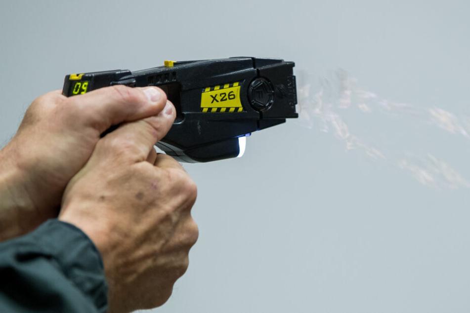 Um den Fall abzuschließen, wird die Elektroschockpistole noch untersucht. (Archivbild)