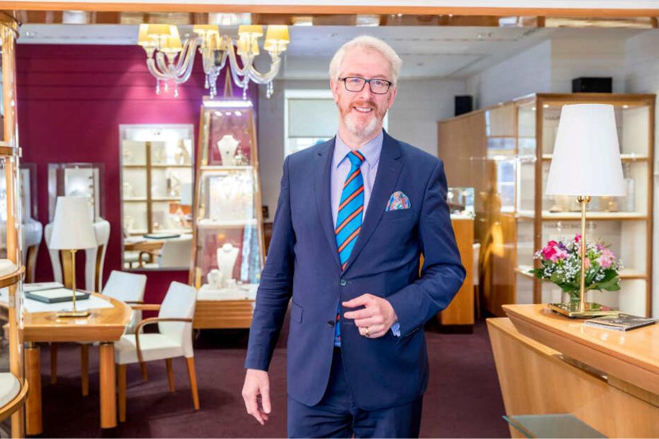 Schloss-Nachbar und Juwelier Georg Leicht (55) in seinem Geschäft im Taschenbergpalais.
