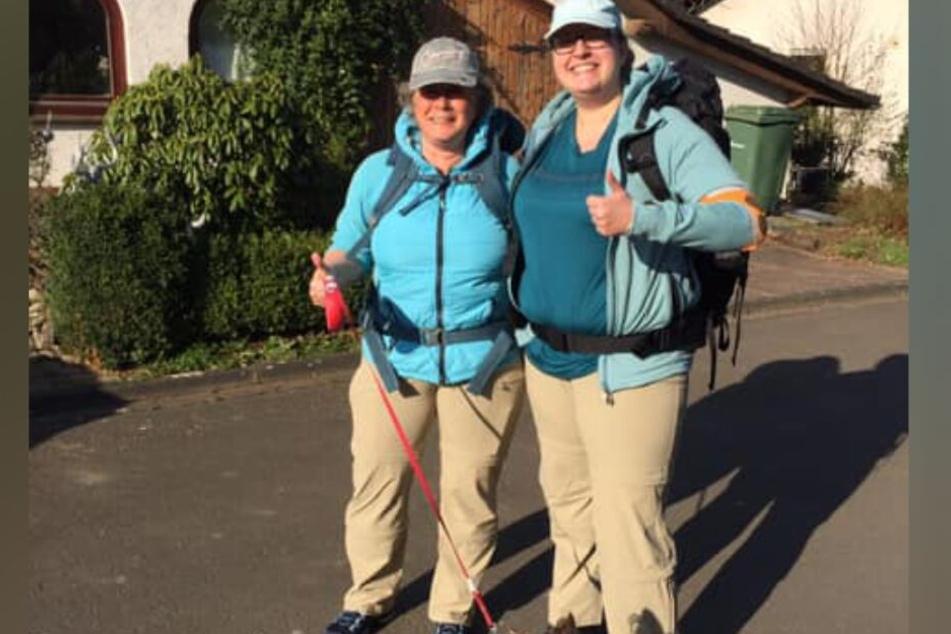 Siggi Kroning (Li.) und Tochter Julia wollen trotz fast vollständiger Blindheit nach Sizilien wandern.