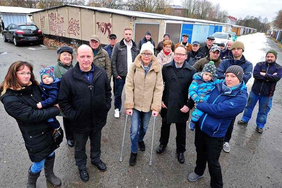 Chemnitz: Anwohner protestieren gegen Rathaus-Pläne für neue Turnhalle!