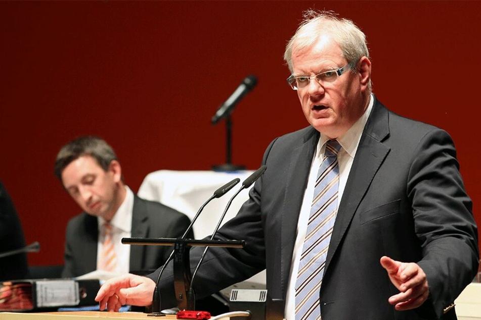 Hans-Joachim Brauns (59) im Stadtrat.