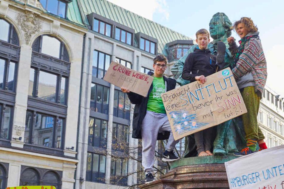 Von wegen alle nur am Schwänzen! Schüler-Demos im Norden auch am Karfreitag
