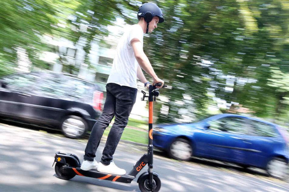Eine Probefahrt mit dem E-Scooter von Circ in Berlin.