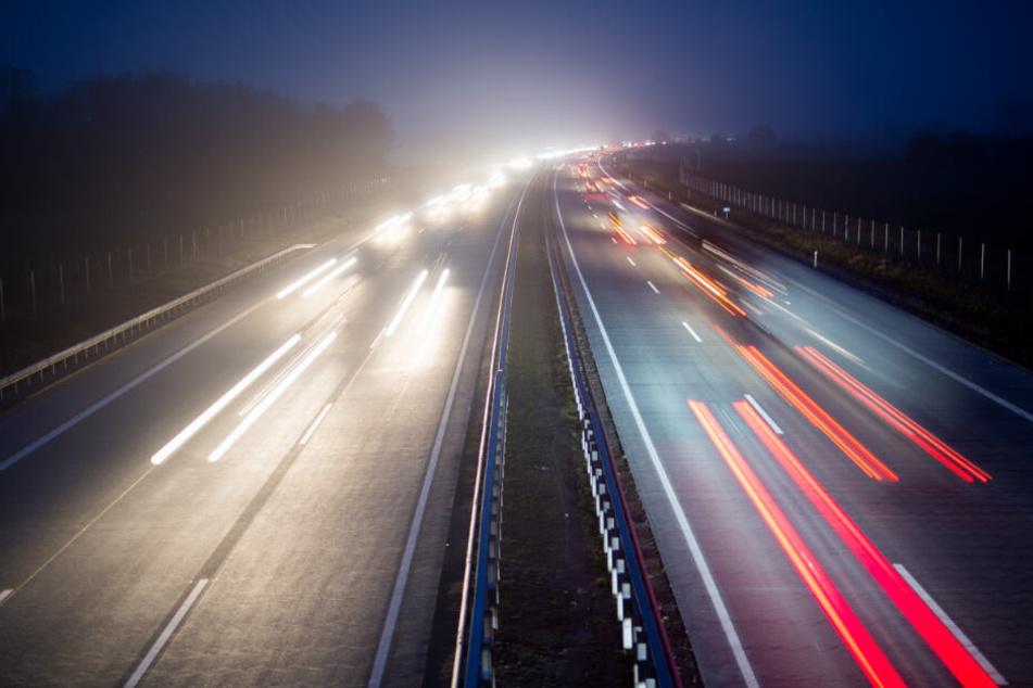 Die Autobahn war die ganze Nacht gesperrt (Symbolfoto).