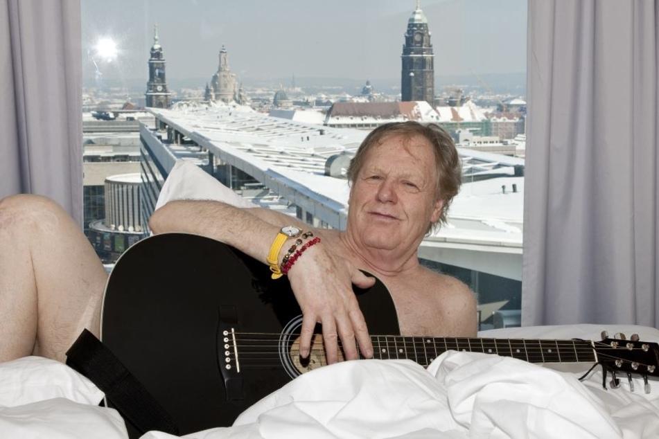 Nackt, wie viele Frauen ihn liebten. Gunter Gabriel im Dresdner Luxus-Hotel an der Prager Straße.