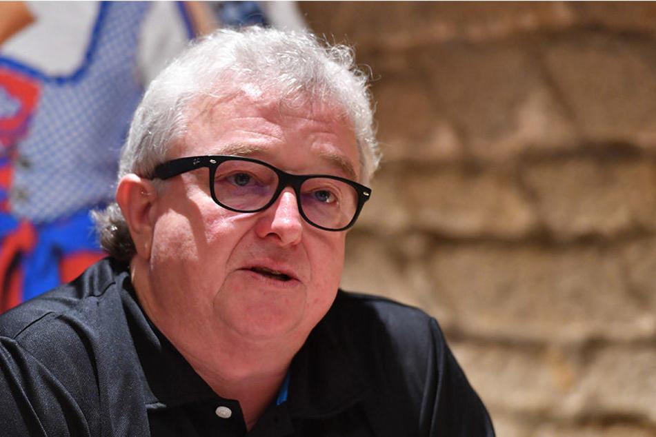 Eislöwen-Boss Volker Schnabel will von einer Krise nichts hören.