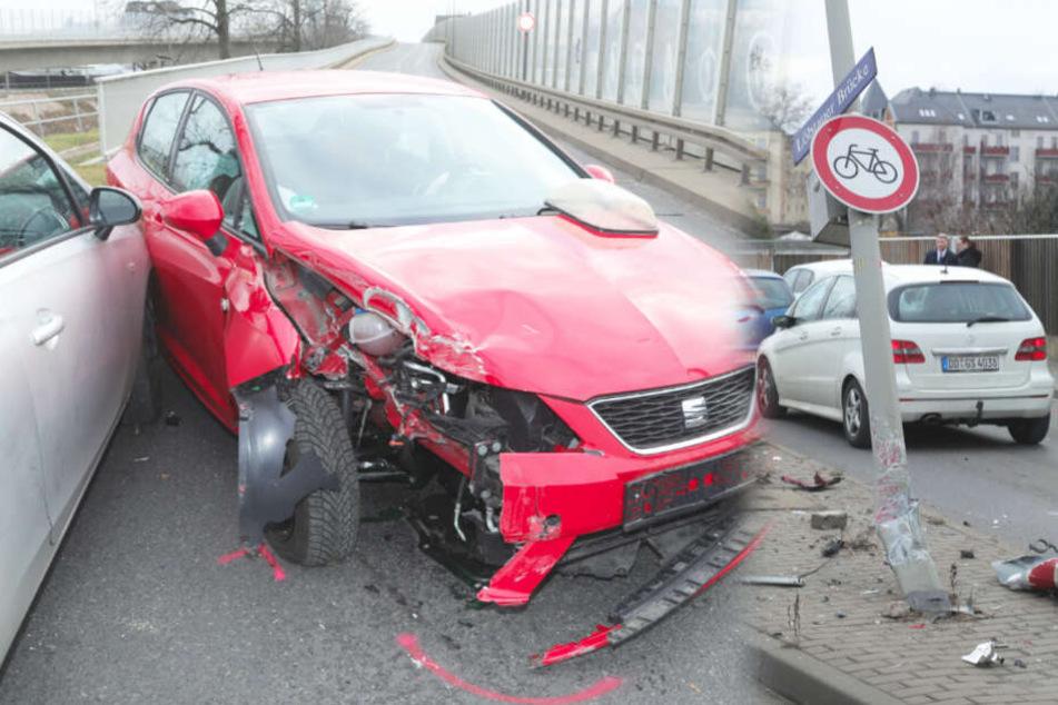 Heftiger Unfall in Dresden! Mann verpasst Ausfahrt, knallt gegen Lampenmast und Auto