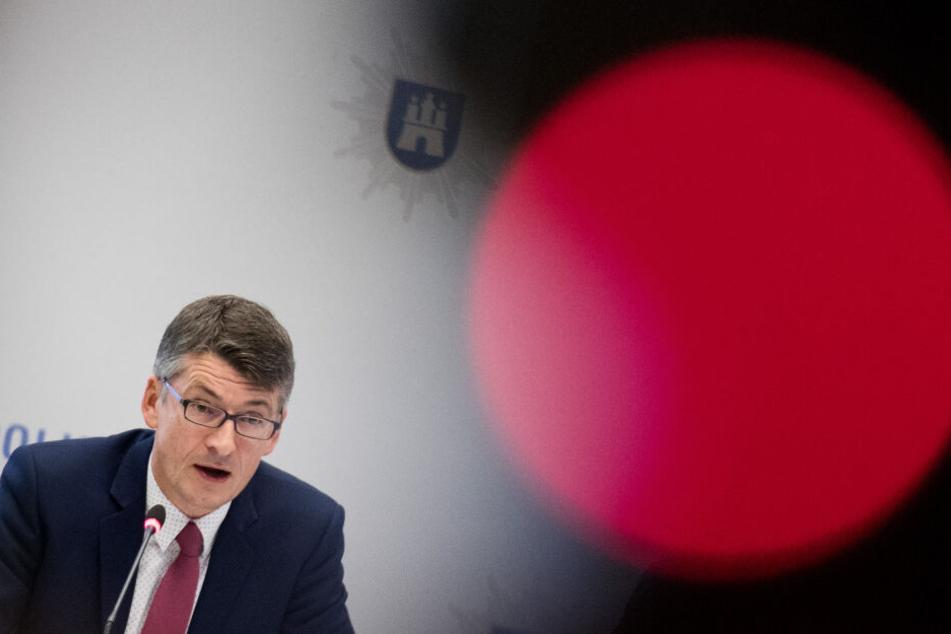 Ralf Martin Meyer, Polizeipräsident von Hamburg, spricht bei einer Pressekonferenz der Polizei Hamburg.