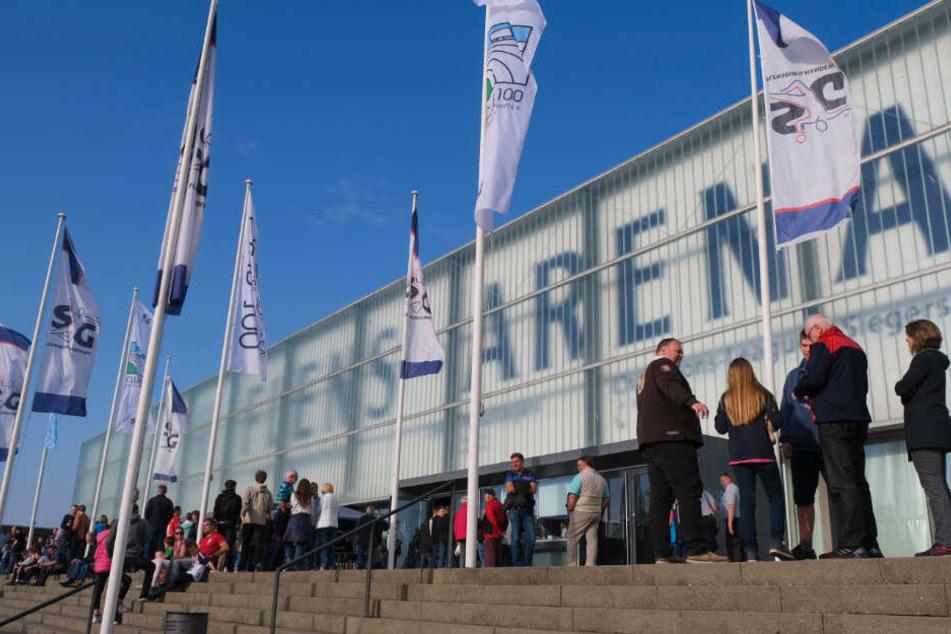 Die Handballer der SG Flensburg-Handewitt tragen ihre Spiele in der Flens-Arena aus.