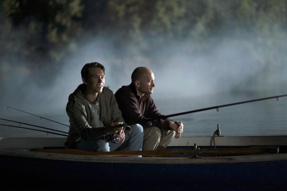 "Simon Grevel (Alvar Goetze, l) und Matthes Grevel (Moritz Grove, r.) - eine Szene des Kölner ""Tatorts"""