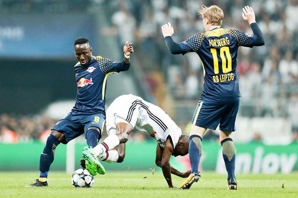 Beim Spiel gegen Besiktas Istanbul kassierte Naby Keita (22) wieder eine gelbe Karte.