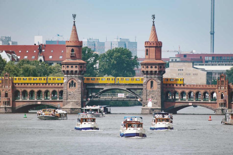 Oberbaumbrücke: Der berühmte Übergang von Friedrichshain nach Kreuzberg.