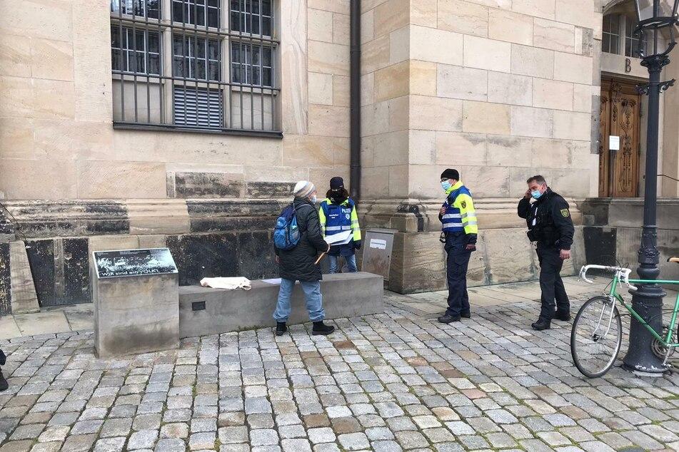 An der Frauenkirche wurden Protestler gestoppt.