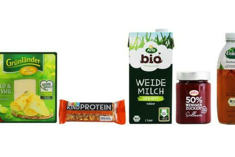 """Die nominierten des eher wenig begehrten """"Goldener Windbeutel""""-Preises: """"Grünländer Käse"""" von Hochland, """"Be-Kind Proteinriegel"""" von Mars, Bio-""""Weidemilch"""" von Arla, Fruchtaufstrich """"50% weniger Zucker"""" von Zentis und der """"Volvic Bio Rooibos Tee"""" von Danone Waters."""