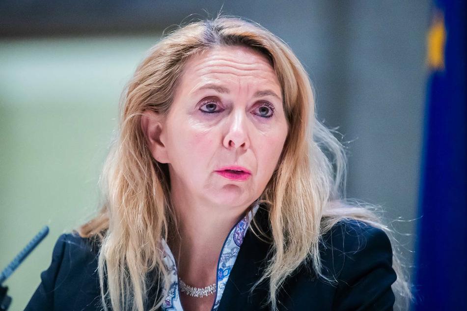 Polizeipräsidentin Barbara Slowik (55) hat im Frühjahr 2021 die Ermittlungsgruppe Zentral eingerichtet, um Verdachtsfälle zu politisch motivierter Kriminalität bei der Berliner Polizei zu prüfen.