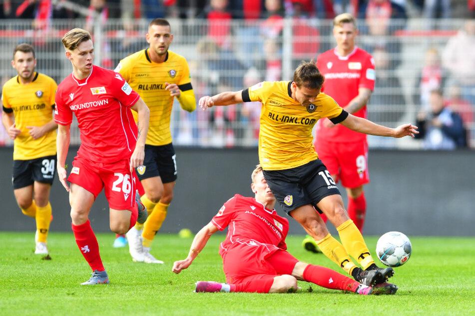 Julius Kade (vorne-links) kam für Union nur in Testspielen zum Einsatz. Auch beim 1:1 am 10. Oktober 2019 gegen Dynamo Dresden stand er auf dem Feld und hinterließ offenbar Eindruck.