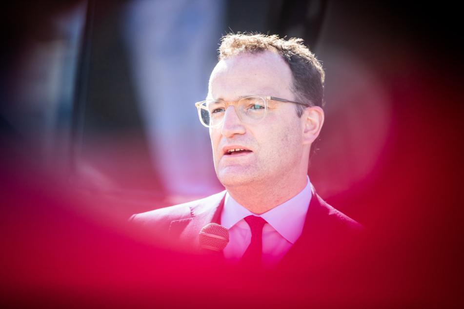 Jens Spahn (CDU, 41), Bundesminister für Gesundheit, steht nach den Betrugsvorwürfen erneut in der Kritik.