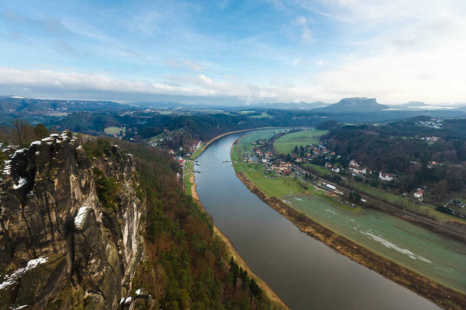 Wandern in der Sächsischen Schweiz ist weiter möglich. Denn im Vergleich zu den Alpenregionen Österreich und Bayern sowie zum Baltikum und Südschweden gibt es hier bislang kaum gefährliche Zecken.