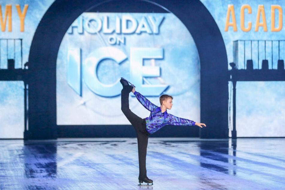 Kleiner Star in der großen Show: Lorenz Klaholz (9) aus Dresden durfte in der Show zeigen, was er in drei Jahren hartem Training gelernt hat.
