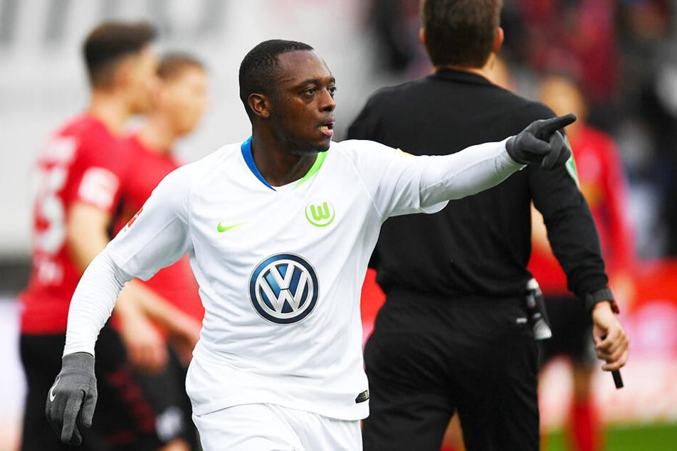 Jerome Roussillon ist beim VfL Wolfsburg auf Anhieb Stammspieler geworden und überzeugt in der Bundesliga mit konstant starken Leistungen.