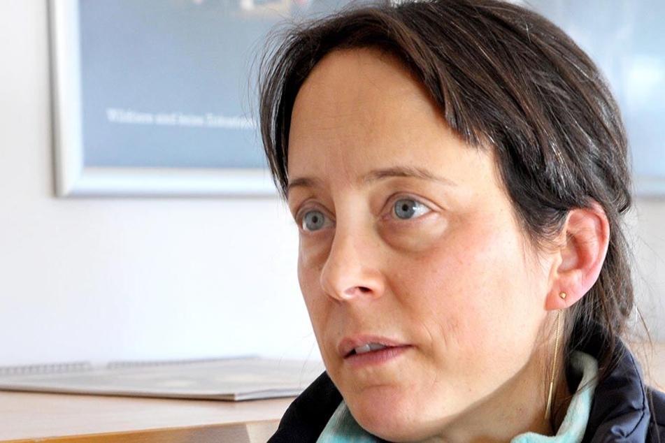 Tierheimchefin Claudia Ruf (45) ist sauer, dass die Stadt Zwickau den neuen Fundtiervertrag mit dem Tierheim in Röhrsdorf abschließt.