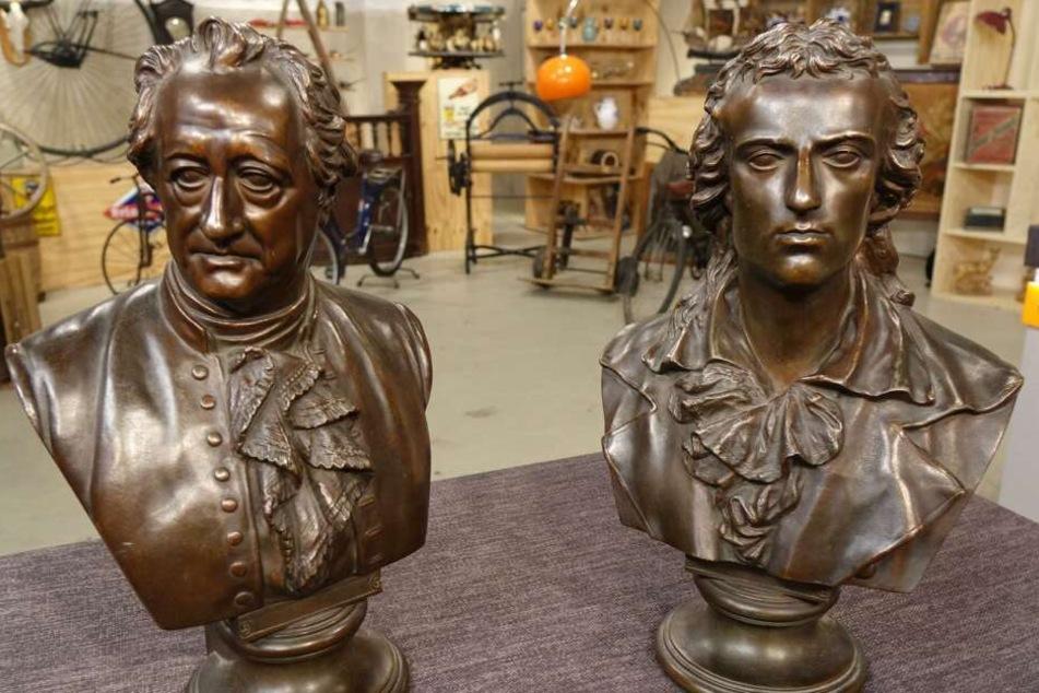 Die Büsten von Goethe und Schiller gehörten mal dem Ausnahme-Physiker Albert Einstein.